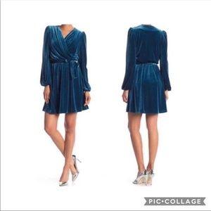 🌻HP🎉🆕 Bebe Surplice Velvet Blue Opal Dress